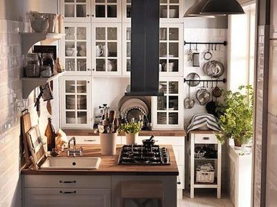astuces pour am nager une trop petite cuisine. Black Bedroom Furniture Sets. Home Design Ideas
