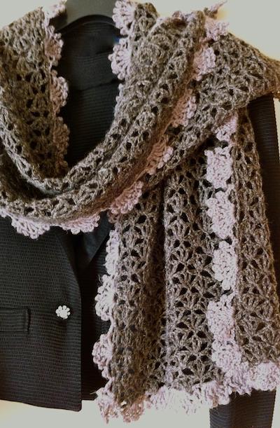 58ef3cc0860f De la laine et du lin pour une écharpe chic au crochet. Un point ...