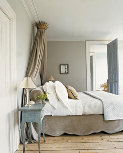 Une chambre simple et raffin e si reposant for Chambre style gustavien