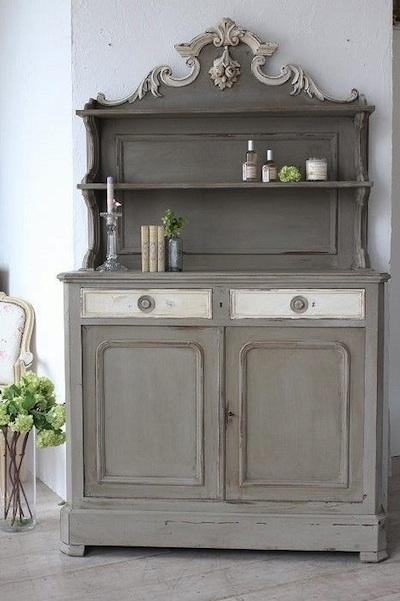 meuble en bois peint gris