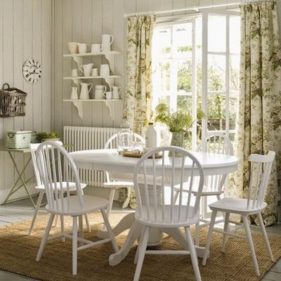 peindre une table pour sa salle manger c 39 est l 39 int grer coup s r quel que soit le style. Black Bedroom Furniture Sets. Home Design Ideas