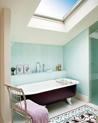 Comment disposer le carrelage dans la salle de bain.