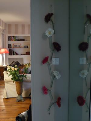 id e d co les vases suspendre au mur. Black Bedroom Furniture Sets. Home Design Ideas