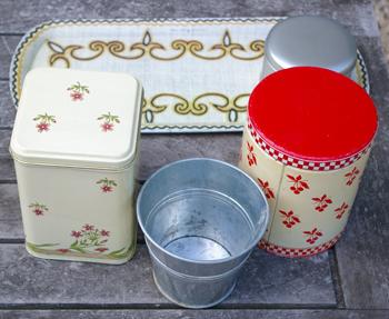 Peindre des boites en m tal un set de cuisine tout neuf - Peindre sur du metal ...