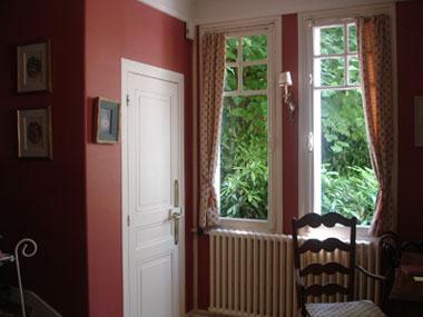 Benita loca mod les et id es d co for Peinture salon rouge brique