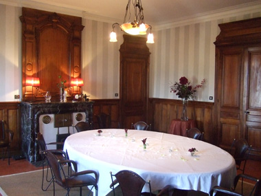 Domaine du mont verrier le s jour - Decoration papier peint salle a manger ...
