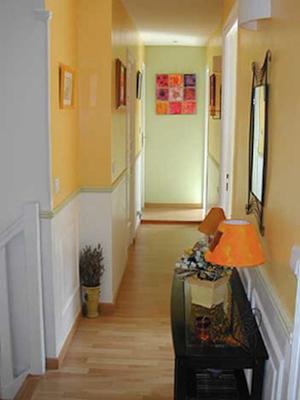 Couloir clair - Idee peinture entree couloir ...