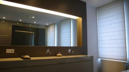 Décoration: Une salle de bains design tres epuree et tres confortable
