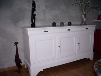 Relooker son bahut en merisier massif l 39 exemple d 39 isabelle - Peindre une chambre en blanc ...