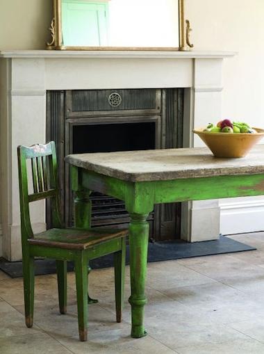 Peut-on peindre un meuble sans le décaper