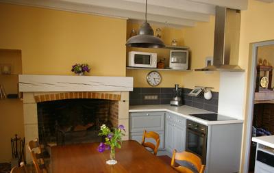 Peindre ses poutres a change tout exemples id es et for Decoration maison quelle couleur peindre poutre bois plafond bois